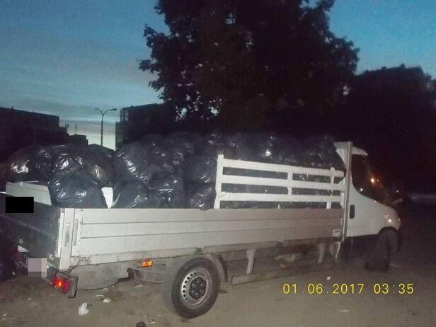 Wyrzucał śmieci na Żoliborzu  straż miejska