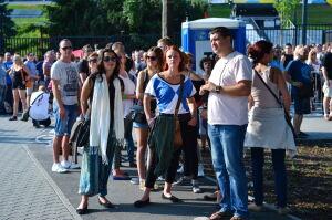 Fani Madonny czekają na show