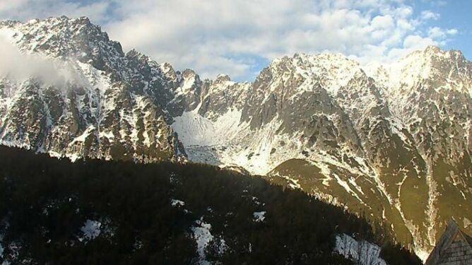 Szlaki oblodzone, jeziora zamarzają. <br />Trudne warunki w Tatrach